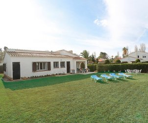 Villa   Cambrils para 8 personas con piscina comunitaria p0