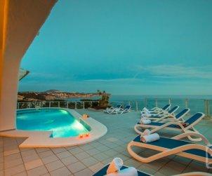 Villa   Benissa para 10 personas con piscina privada y vista mar p0