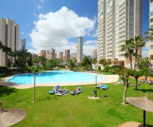 Apartamento   Benidorm para 4 personas con piscina comunitaria p0