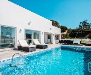 Villa moderna   Calpe para 6 personas con piscina privada y vista mar p0