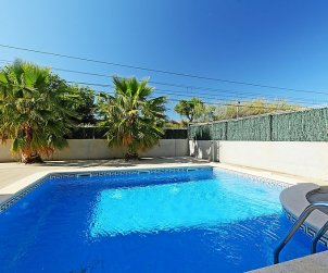 Apartamento   Cambrils para 5 personas con piscina comunitaria p0