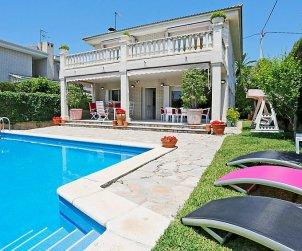 Villa   Cambrils para 12 personas con piscina privada p0