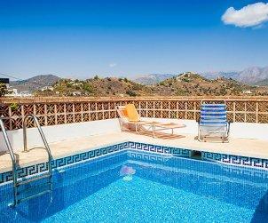 Villa   Nerja para 4 personas con piscina privada p0