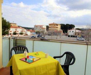 Apartamento   L'Escala para 4 personas con parking privado, aere acondicionado y cerca del mar p1