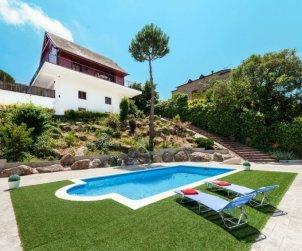 Villa   Tordera para 6 personas con piscina privada p0