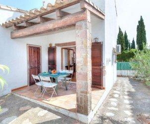 Villa   L'Escala para 4 personas con lavadora p1