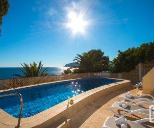 Villa   Moraira para 6 personas con piscina privada, aere acondicionado y bella vista mar p1