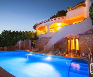 Villa   Moraira para 6 personas con piscina privada, aere acondicionado y bella vista mar p2