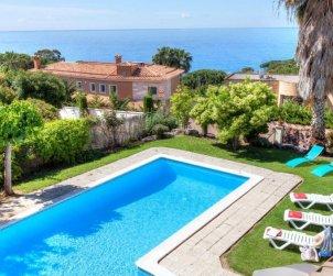 Villa   Lloret del Mar para 12 personas con piscina privada p0