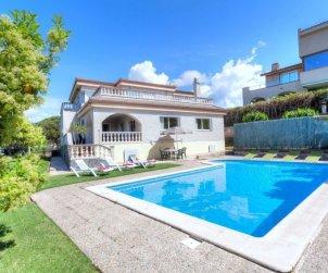 Villa   Lloret del Mar para 12 personas con piscina privada p1