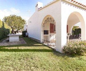 Villa   Cambrils para 8 personas con piscina comunitaria p2
