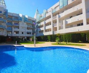 Apartamento   Rosas para 4 personas con piscina comunitaria p1