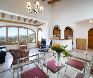 Villa   Calpe para 6 personas con piscina comunitaria p2