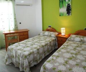 Apartamento   Benidorm para 5 personas con piscina comunitaria p1