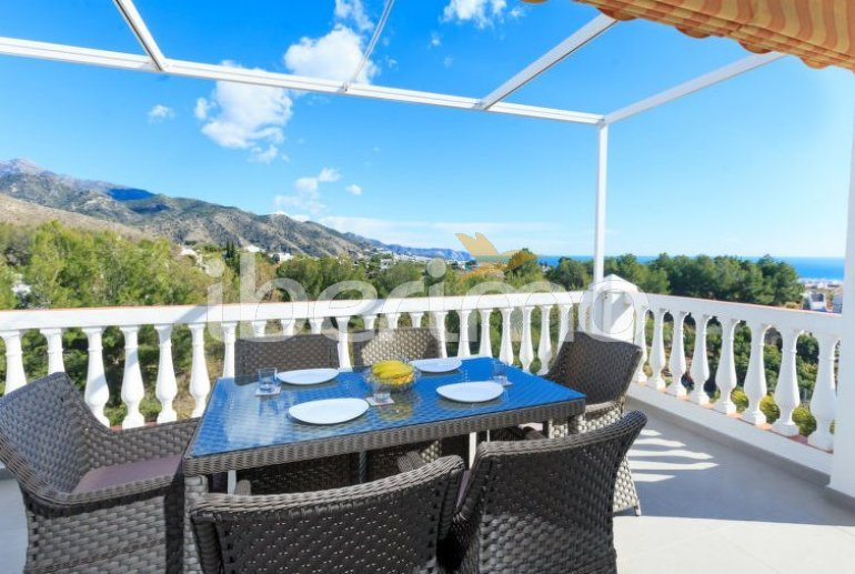 Villa   Nerja para 8 personas con piscina privada p4