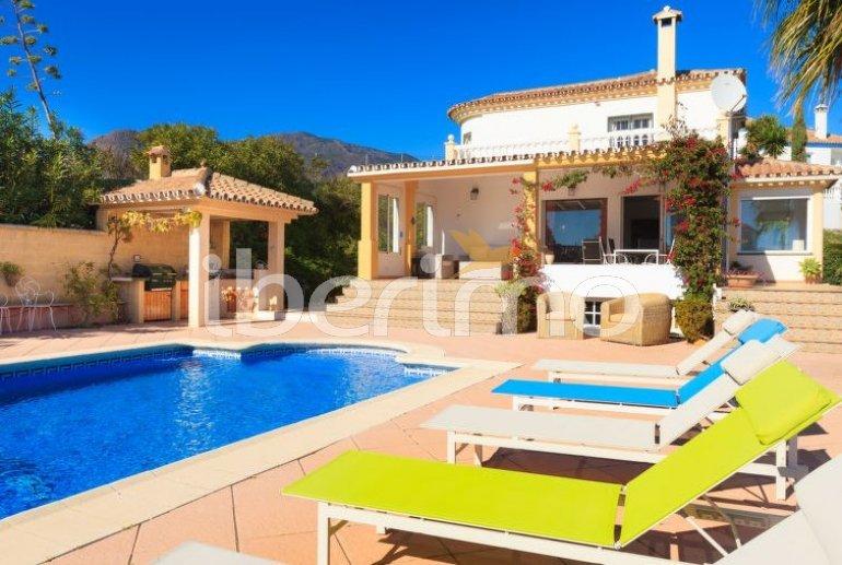 Villa   Estepona para 6 personas con piscina privada p0