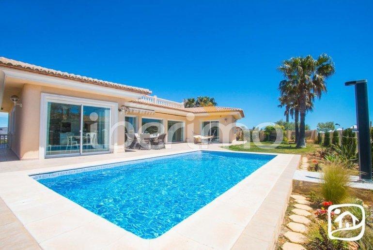 Villa  en Moraira  para 6 personas con piscina privada, vista mar y aire acondicionado  p22