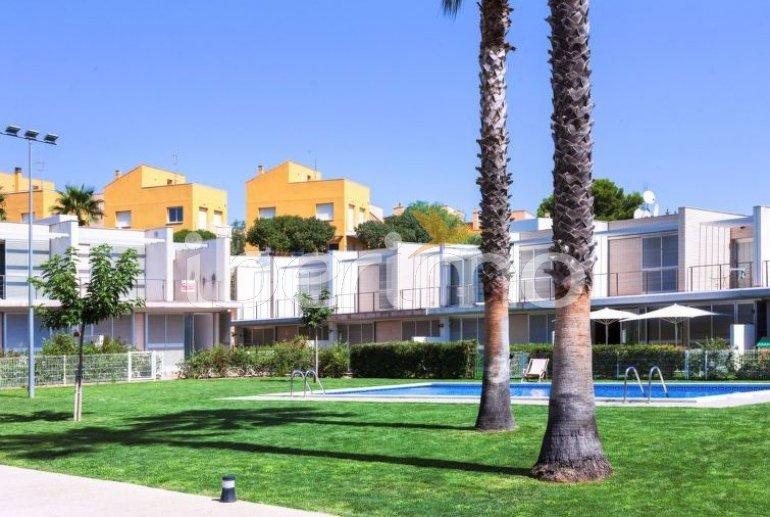 Villa   L'Ampolla para 6 personas con piscina comunitaria p1