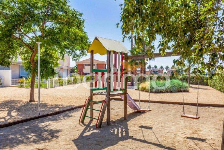Villa   L'Ampolla para 6 personas con piscina comunitaria p2