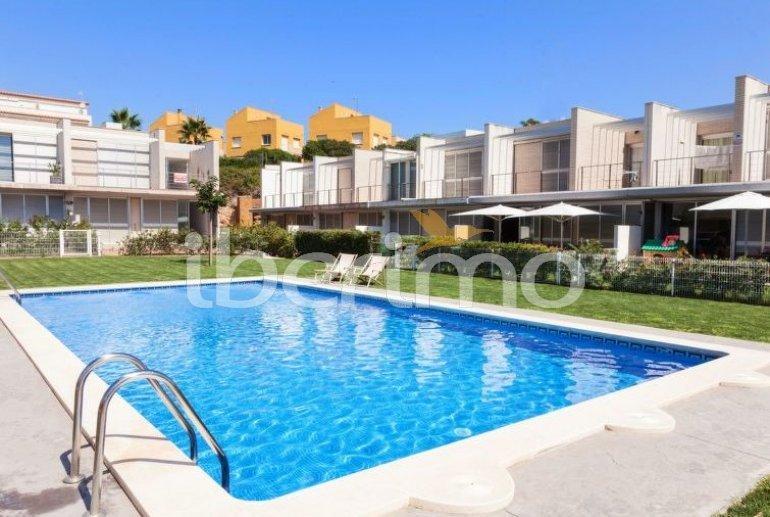 Villa   L'Ampolla para 6 personas con piscina comunitaria p3