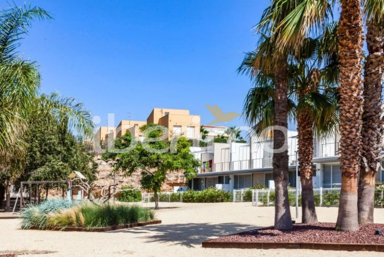 Villa   L'Ampolla para 6 personas con piscina comunitaria p4