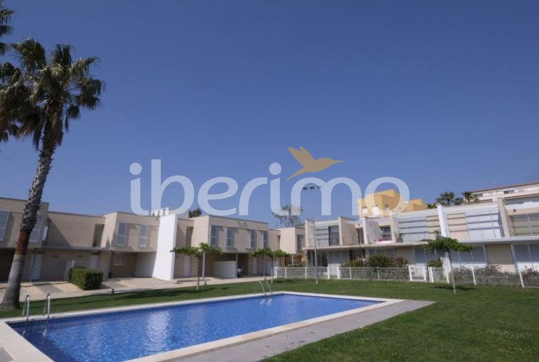 Villa   L'Ampolla para 6 personas con piscina comunitaria p5