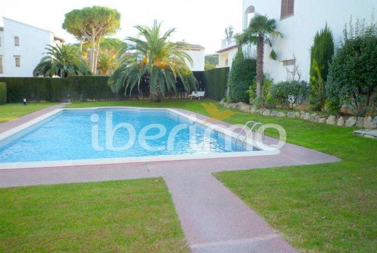 Apartamento  en l'Escala  para 6 personas con piscina comunitaria, parking y cerca del mar  p2