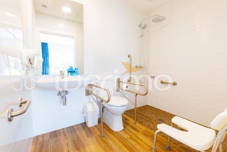 Apartamento  en Alcossebre  para 4 personas en complejo hotelero con piscina compartida en primera línea de mar y adaptado a movilidad reducida  p12