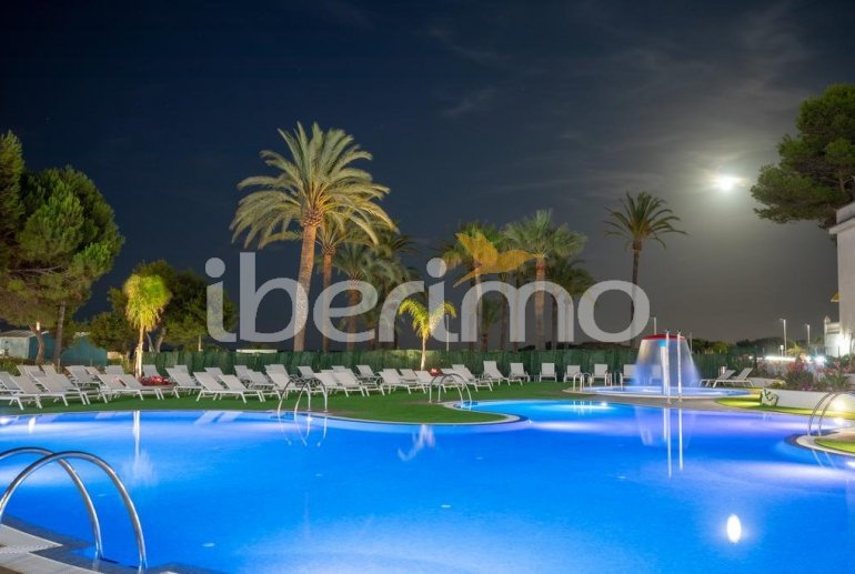 Apartamento  en Alcossebre  para 5 personas en complejo hotelero con piscina comunitaria en primera línea de mar  p17
