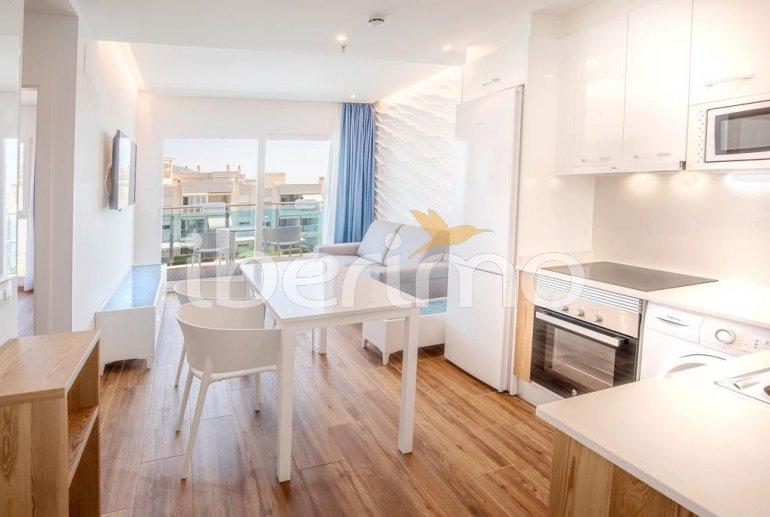 Apartamento  en Alcossebre  para 5 personas en complejo hotelero con piscina comunitaria en primera línea de mar  p8