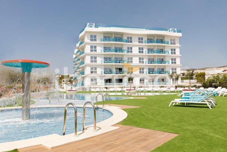 Apartamento  en Alcossebre  para 5 personas en complejo hotelero con piscina comunitaria en primera línea de mar  p2