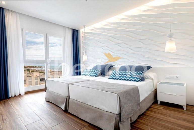 Apartamento  en Alcossebre  para 5 personas en un complejo hotelero con piscina comunitaria y vistas laterales al mar  p15