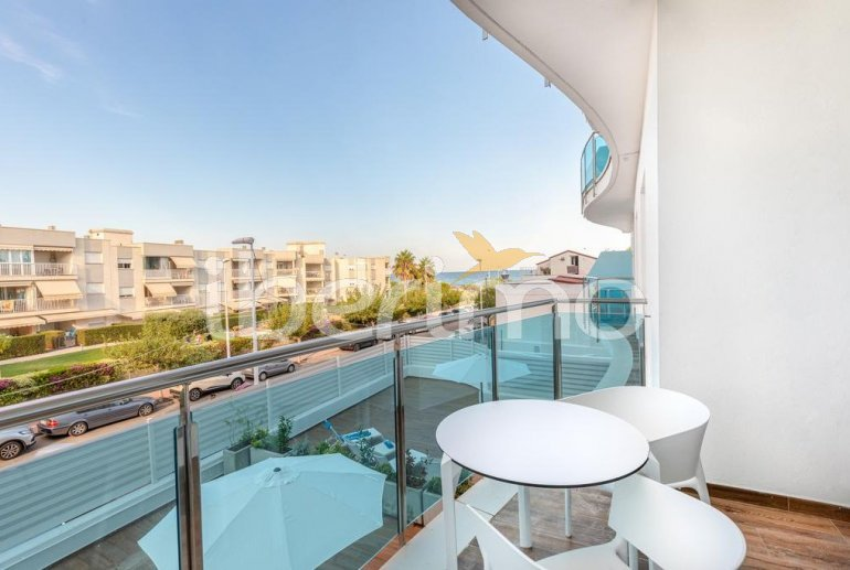 Apartamento  en Alcossebre  para 5 personas en un complejo hotelero con piscina comunitaria y vistas laterales al mar  p6