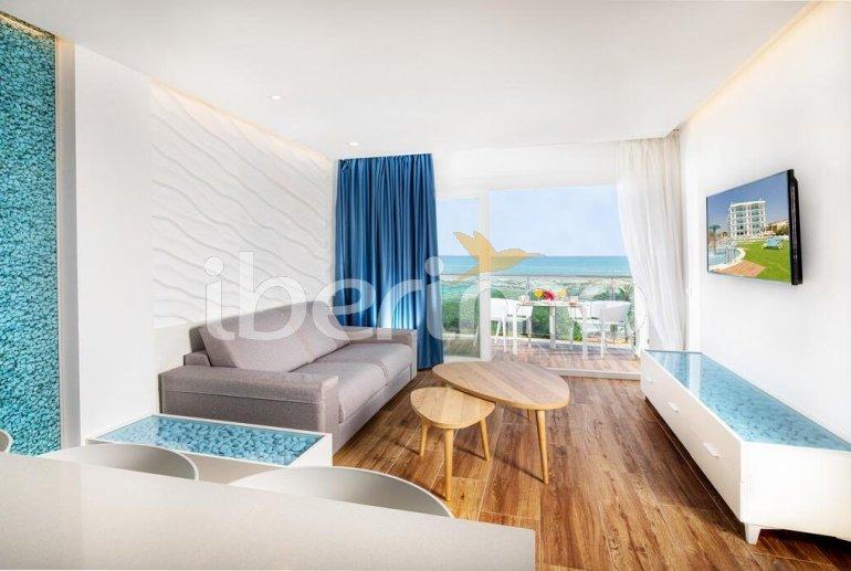 Apartamento familiar  en Alcossebre  para 5 personas en un complejo hotelero con piscina comunitaria y vistas directas al mar  p7