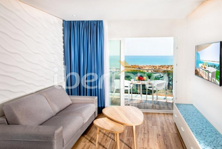 Apartamento familiar  en Alcossebre  para 5 personas en un complejo hotelero con piscina comunitaria y vistas directas al mar  p6