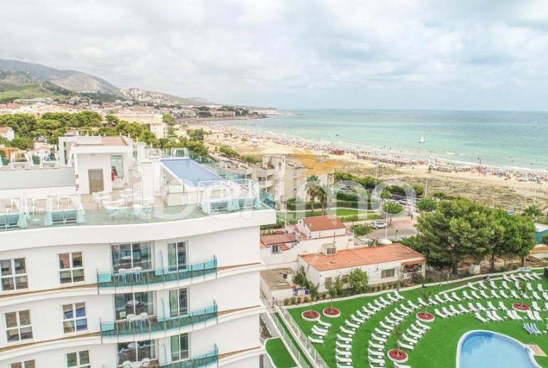 Apartamento  en Alcossebre  para 5 personas en complejo hotelero con piscina comunitaria, gran terraza frente al mar  p40