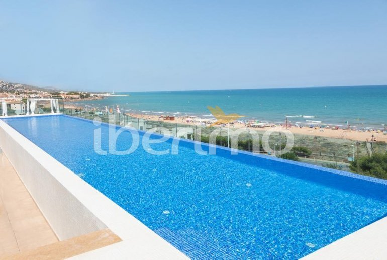 Apartamento  en Alcossebre  para 5 personas en complejo hotelero con piscina comunitaria, gran terraza frente al mar  p4