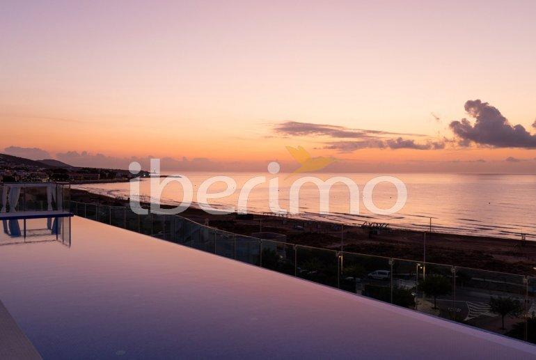 Apartamento  en Alcossebre  para 5 personas en complejo hotelero con piscina comunitaria, gran terraza frente al mar  p25
