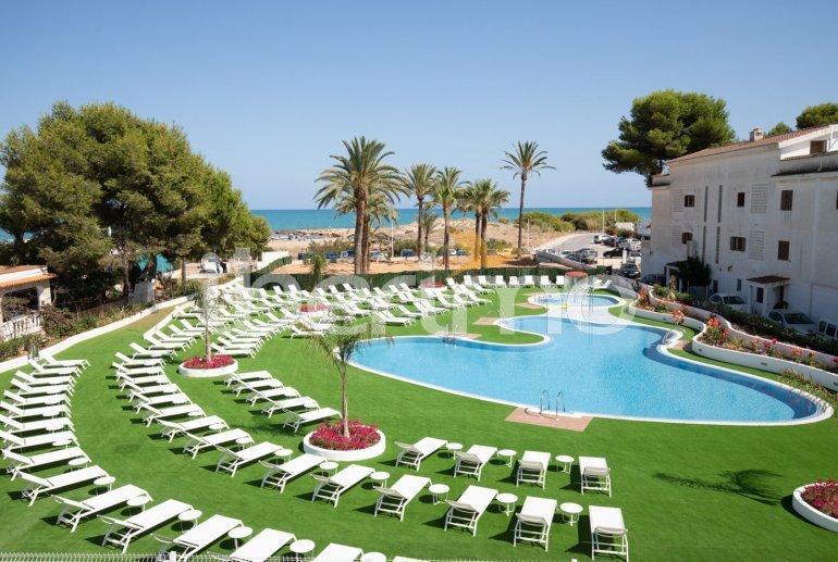 Apartamento  en Alcossebre  para 5 personas en complejo hotelero con piscina comunitaria, gran terraza frente al mar  p17