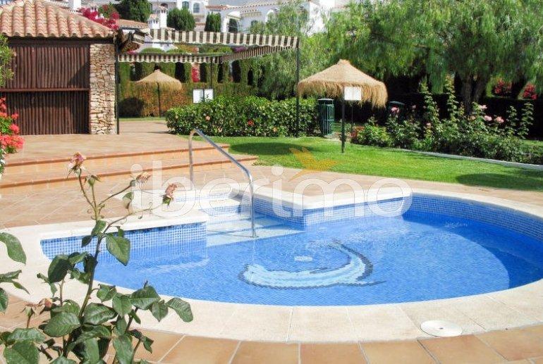Apartamento   Nerja para 4 personas con piscina comunitaria p2