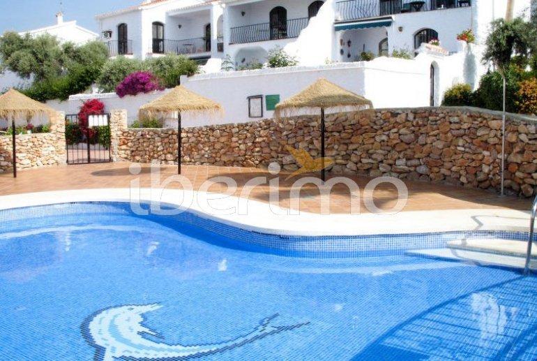 Apartamento   Nerja para 4 personas con piscina comunitaria p3
