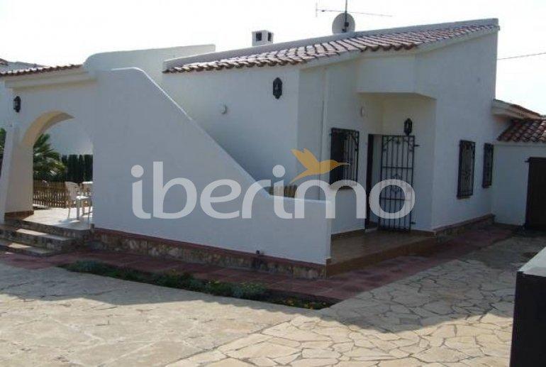 Villa   Ametlla de Mar para 8 personas con piscina protegida p3