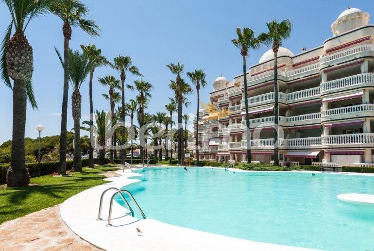 Apartamento   Alcoceber para 8 personas con piscina comunitaria y aere acondicionado p1