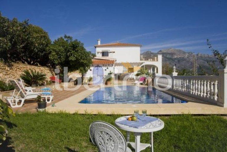 Villa   Callosa d´En Sarria - Confrides para 8 personas con piscina privada p1