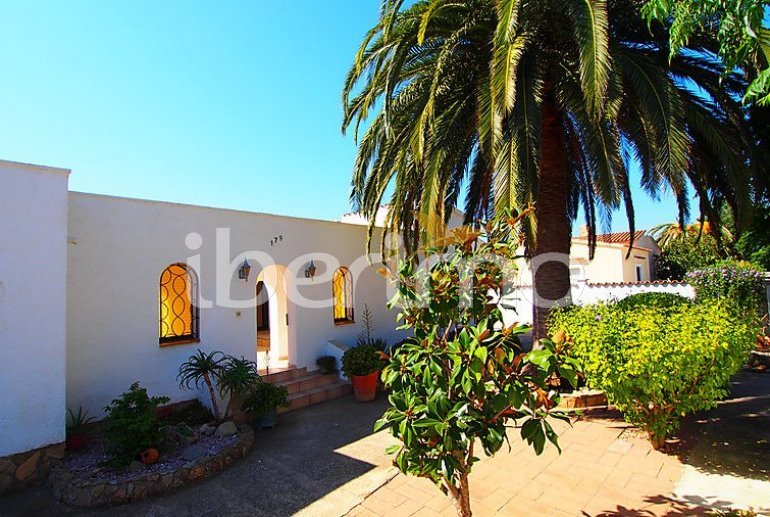 Villa   Empuriabrava para 4 personas con lavavajillas p1