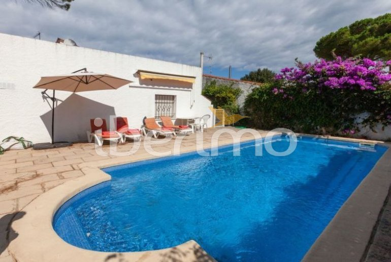Villa   L'Escala para 6 personas con piscina privada p10