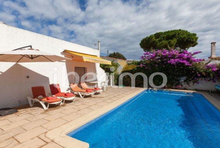 Villa   L'Escala para 6 personas con piscina privada p7