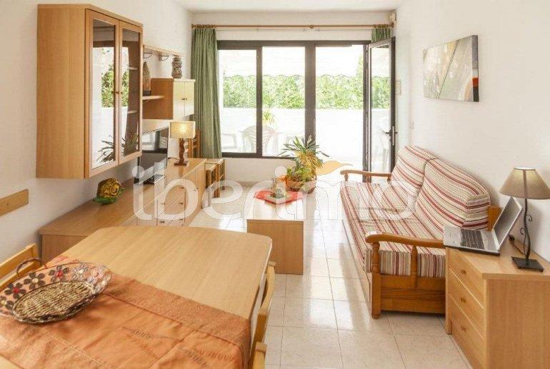 Apartamento   Benicarlo para 6 personas con piscina comunitaria y A/C p12