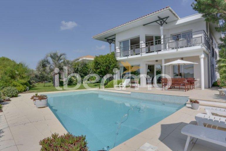 Villa   Mimizan para 10 personas con piscina privada p0