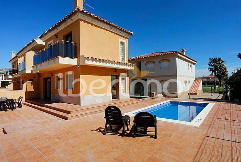 Villa   Miami Platja para 12 personas con piscina privada p0